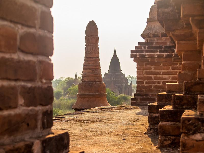 Myanmar Bagan Temples_P1160754.jpg