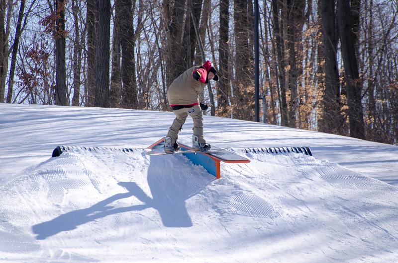 Snow-Trails-Rail-Jam-8106.jpg