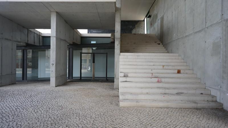Modern bulding Lisboa (314).JPG