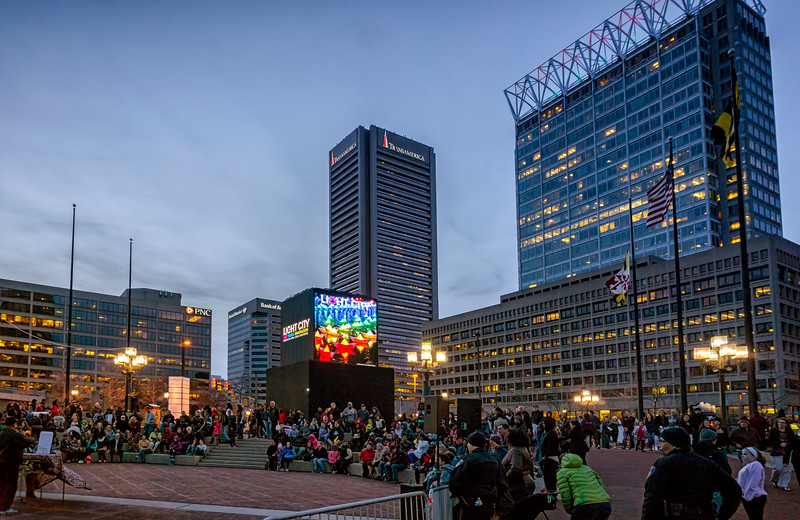 light city - crowd at stage(p).jpg