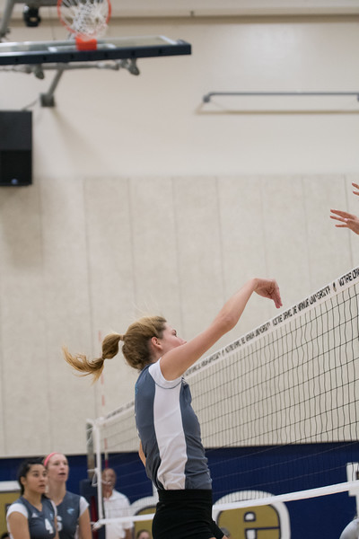HPU Volleyball-91848.jpg