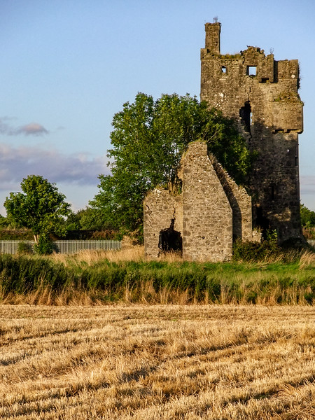 Srah Castle, west of Tullamore