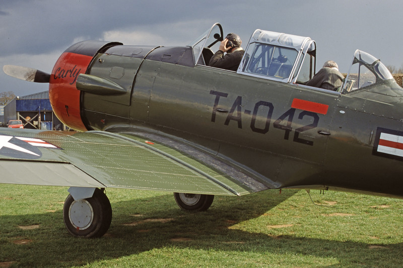 G-BGHU-NorthAmericanT-6GTexan-Private-EGKH-2000-03-26-GY-23-KBVPCollection.jpg