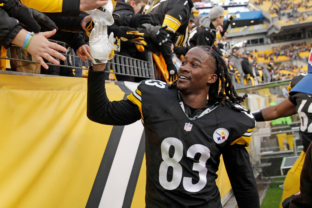 . Pittsburgh Steelers wide receiver Cobi Hamilton (83) heads to the locker room after making the game-winning touchdown catch during overtime of the team\'s NFL football game against the Cleveland Browns in Pittsburgh, Sunday, Jan. 1, 2017. The Steelers won 27-24. (AP Photo/Jared Wickerham)