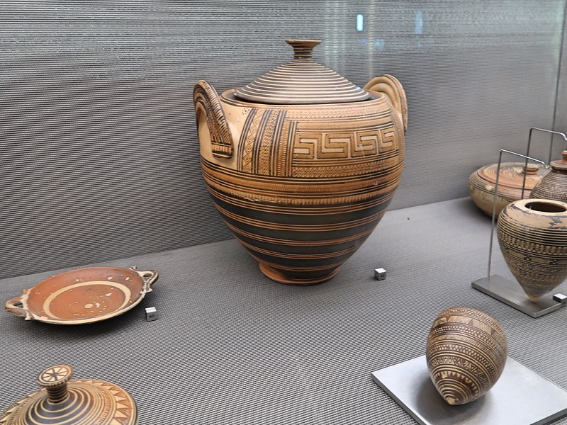 IMG_7971-cremation-early-8th-cent-bc.jpg