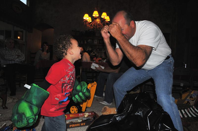 """I said """"Rrrrrrrraaaaaahhhh"""" Papa!!!!!"""
