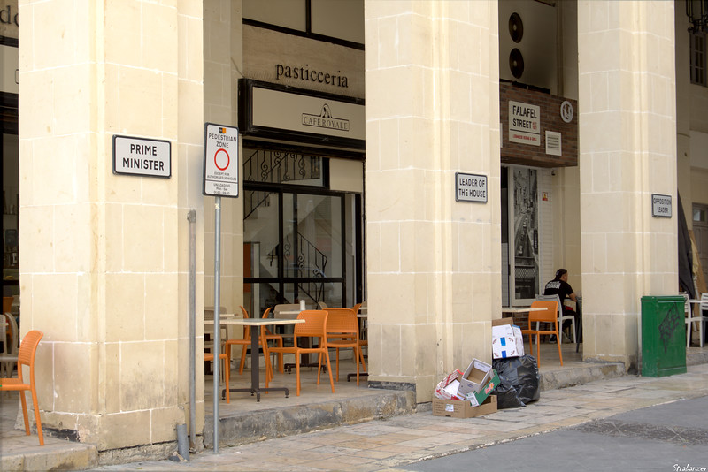 Valletta, Malta.     Very egalitarian parking!     03/25/2019