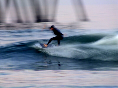 4/15/20 * DAILY SURFING PHOTOS * H.B. PIER