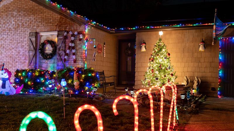 logan-elm-village-christmas-lights-111.jpg