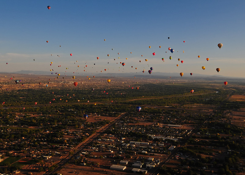 NEA_5833-7x5-Balloons.jpg