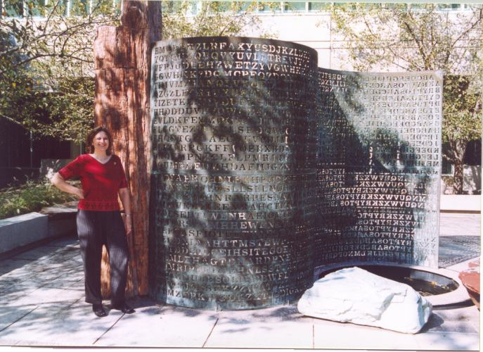Elonka at the CIA's Kryptos sculpture in 2002