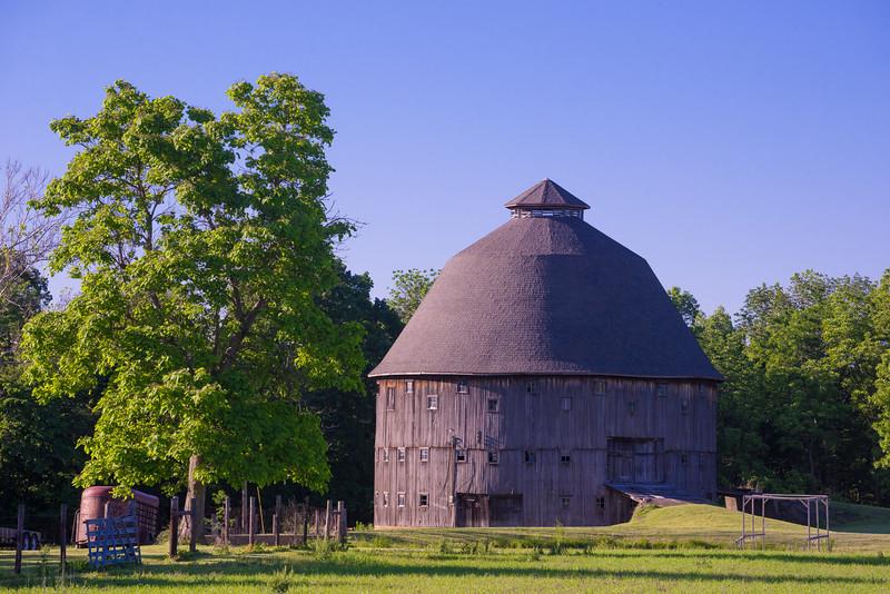 dana-round-barn.jpg