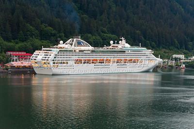 Cruise Ships, Various