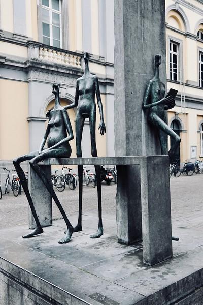 More modern sculptures - Bruges