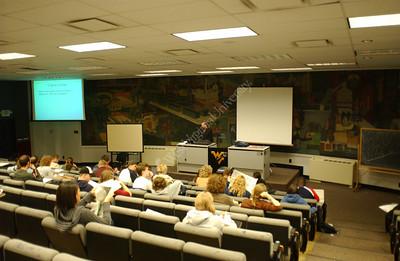 22899 Professor teaching in G21 White Hall