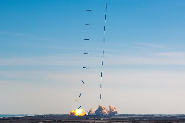 Starship SN9: High-Altitude Flight Test