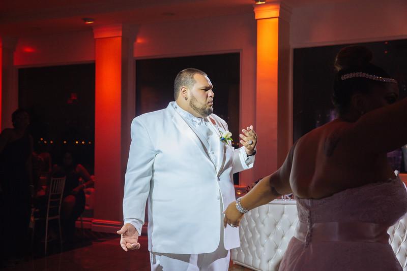 MER__1324_tonya_josh_new jerrsey wedding photography.jpg