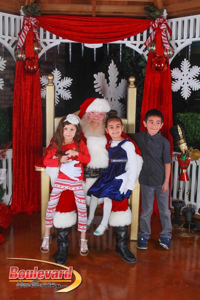 Santa 12-10-16-356.jpg