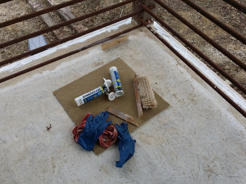 tools to apply silicone