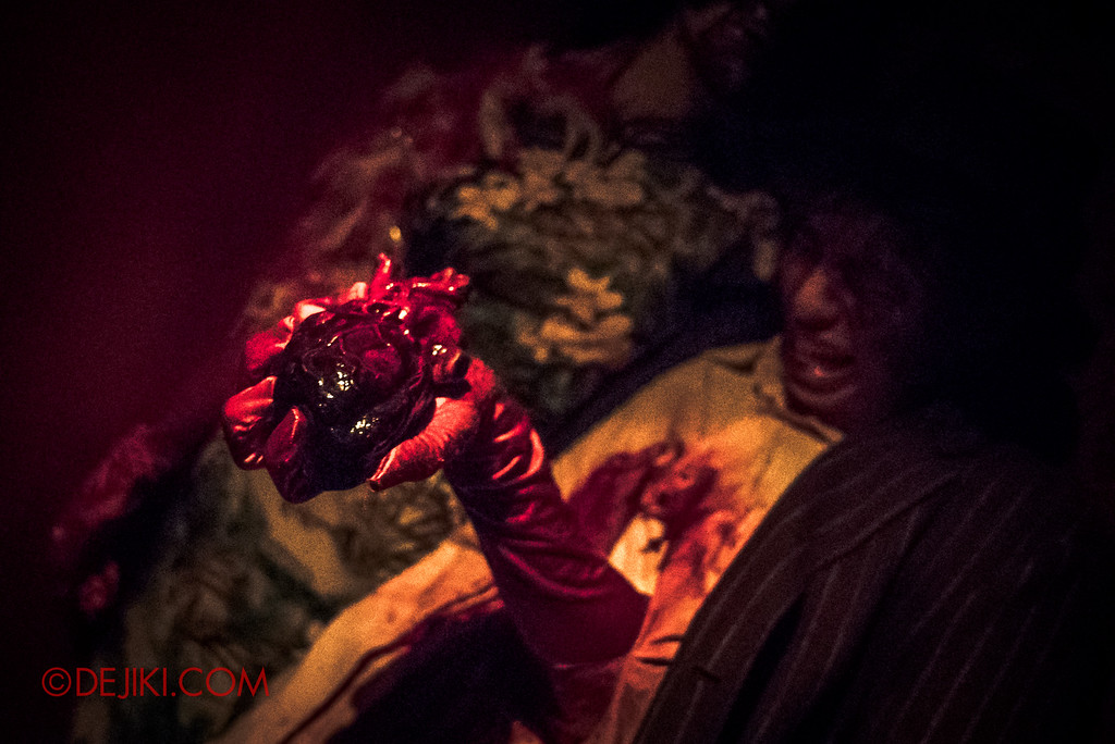 Halloween Horror Nights 6 - Hu Li's Inn / Heartless Attack