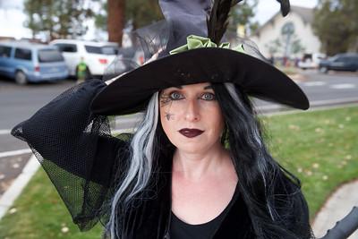 Halloween Around Sisters 2018