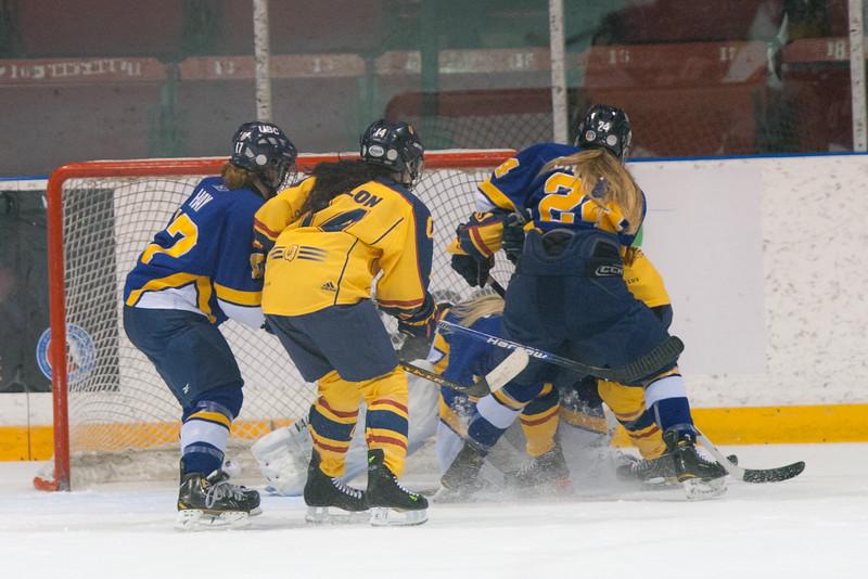 20130310 QWHockeyvsUBC 273.jpg