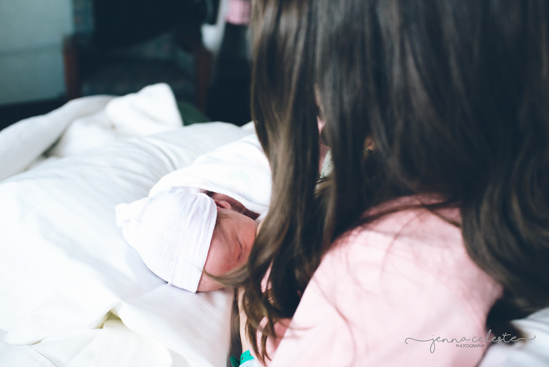 1898wm Adrian Page Fresh48 hospital infant baby photography Northfield Minneapolis St Paul Twin Cities photographer-.jpg