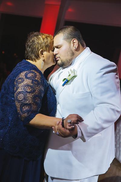 MER__0949_tonya_josh_new jerrsey wedding photography.jpg