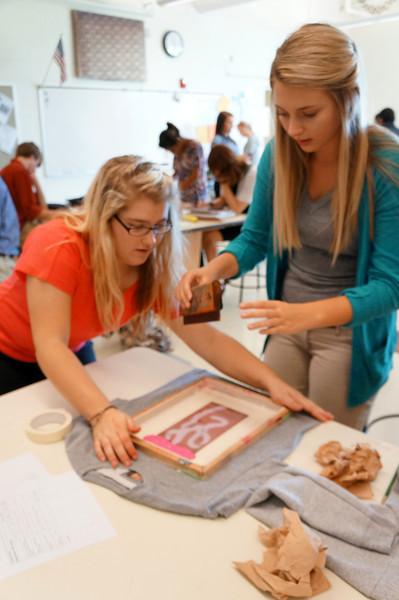 Lutheran-West-Art-Class-Silk-Screen-T-Shirts--September-2012--114.JPG