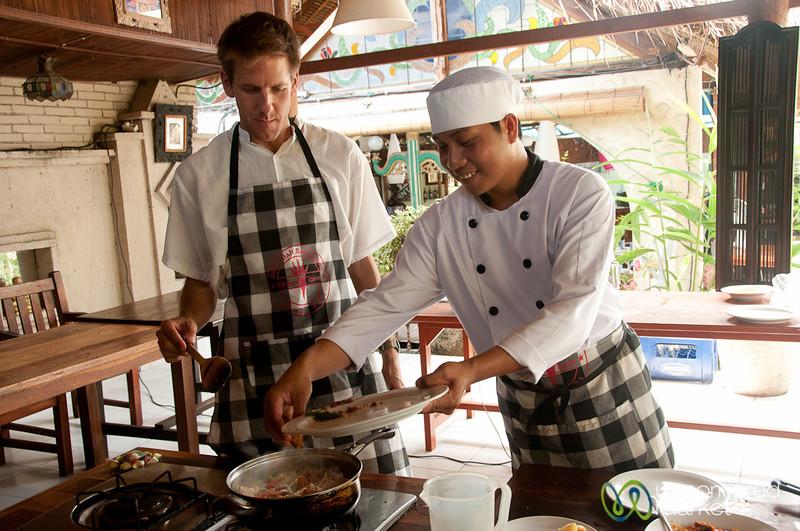 Dan Cooking Sambal Udang - Bali, Indonesia