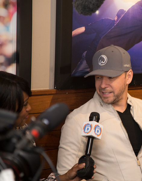 SmashBox Designs - Wahlburgers