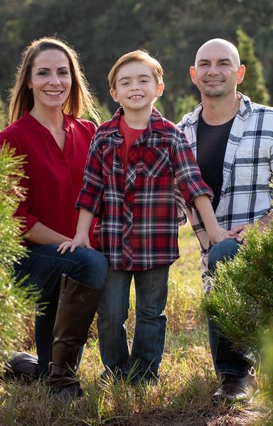 Hosaflook family standing III cropped.jpg