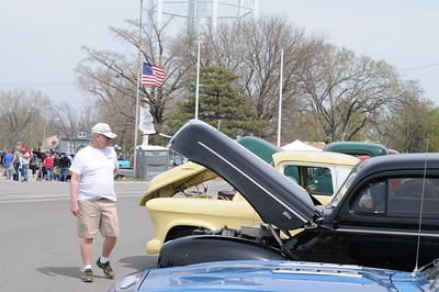 Cruis'n & Cook'n Car Show, April 8, 2017