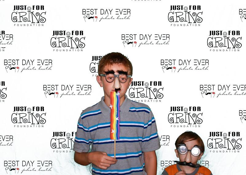 BDE2016-JustForGrinsFoundation-2016-PaulMitchellSchool-1061.jpg