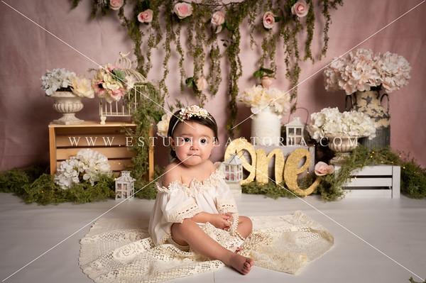 Gomez, Lilah