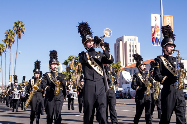 HOLIDAY BOWL PARADE2-0220.jpg