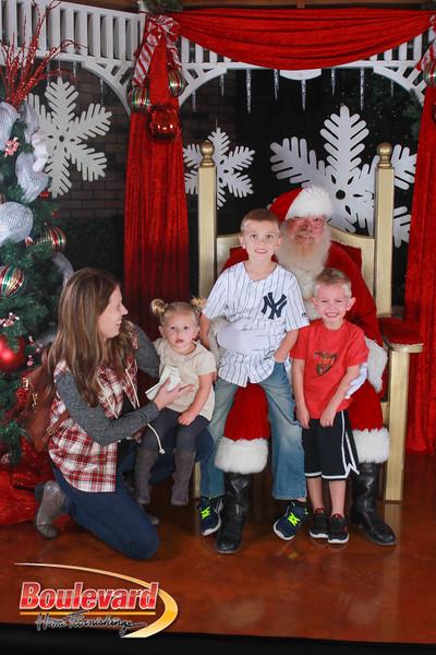 Santa 12-17-16-120.jpg
