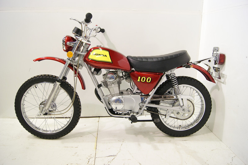 1972SL100 7-11 007.JPG
