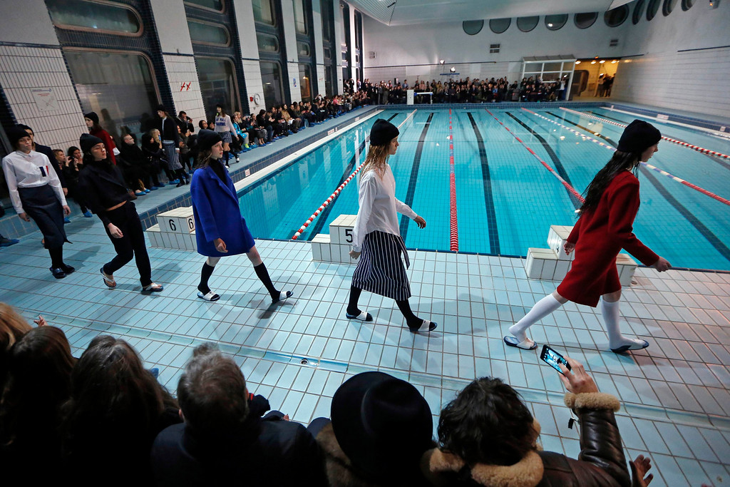 . Models present creations by French designer Simon Porte Jacquemus as part of his Fall-Winter 2013/2014 women\'s ready-to-wear fashion show during Paris Fashion Week February 26, 2013. REUTERS/Charles Platiau