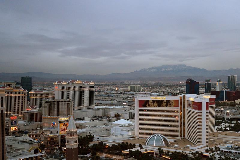 Vegas strip north dusk.jpg