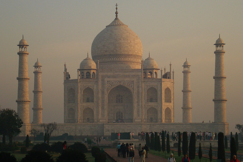 Taj at Sunrise 2.jpg