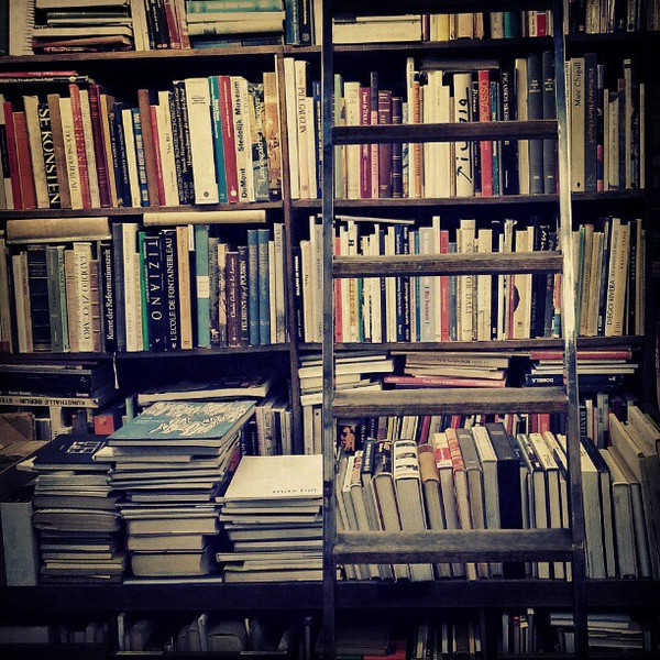 I_love_visiting_used_books_stores_when_I_travel._The_language_may_be_different_but_the_delicious_smell_of_old_books_is_the_same. (1).jpg