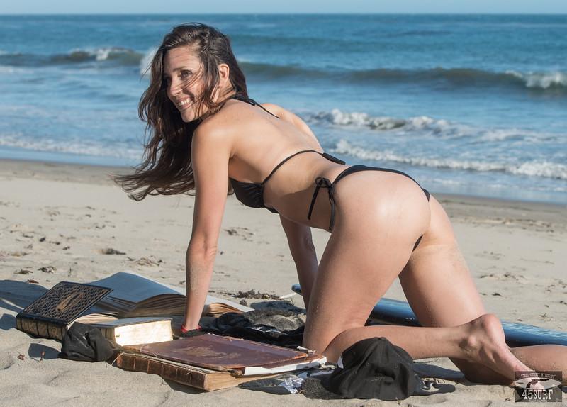 Nikon D800E Photos Swimsuit Bikini Model Goddess! Pretty Green Eyes! 70-200mm F/2.8 VR2 Nikkor Lens