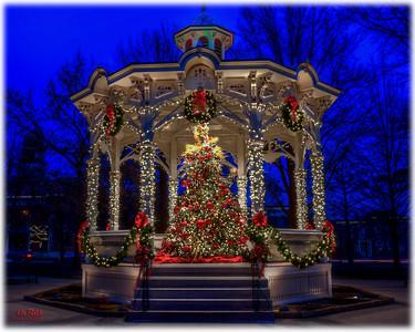 Christmas in Medina Square