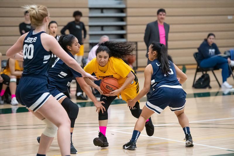 Basketball-W-2020-01-31-7854.jpg