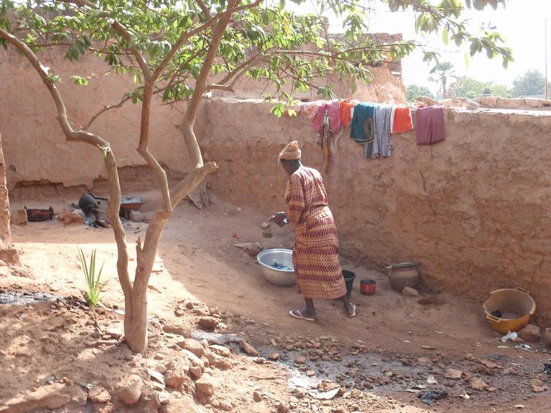 032_Bobo-Dioulasso. The Old Quarter of Kibidwe. Daily Life.jpg