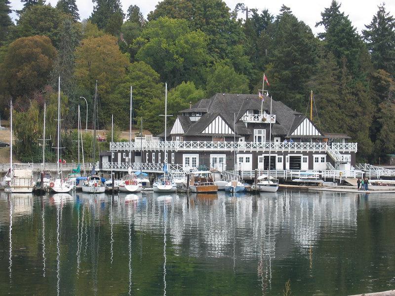 boat_house_2.jpg