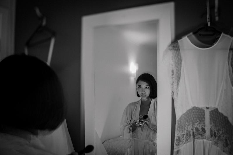 Tu-Nguyen-Destination-Wedding-Photographer-Iceland-Elopement-Fjaðrárgljúfur-16-137.jpg