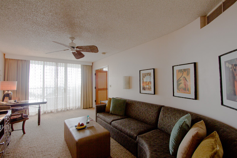 fairmont living room.jpg