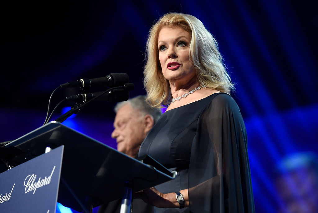 . Host Mary Hart speaks at the 28th annual Palm Springs International Film Festival Awards Gala on Monday, Jan. 2, 2017, in Palm Springs, Calif. (Photo by Chris Pizzello/Invision/AP)